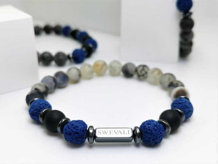 Snowfall Blue bild 1, vackert armband i en snygg kombination. Armbandet är unisex och passat både män och kvinnor. Otroligt vacker Pärlarmband från SWEVALI.