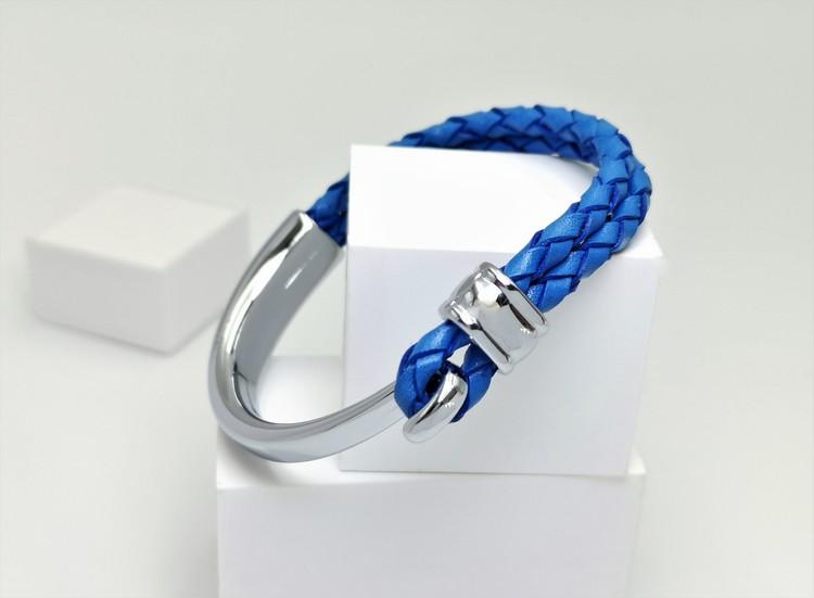 Concept blue leather metall Armband bild 3 är en otroligt charmig och snygg herr armband. Perfekt unik present