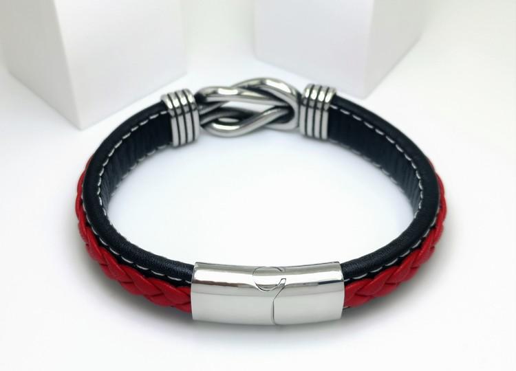 Sailor Knot RedBlack Leather Armband bild 2 är en otroligt vackert herr armband med vackra detaljer, en kombination av  högsta kvalité stainlees steel samt läder.