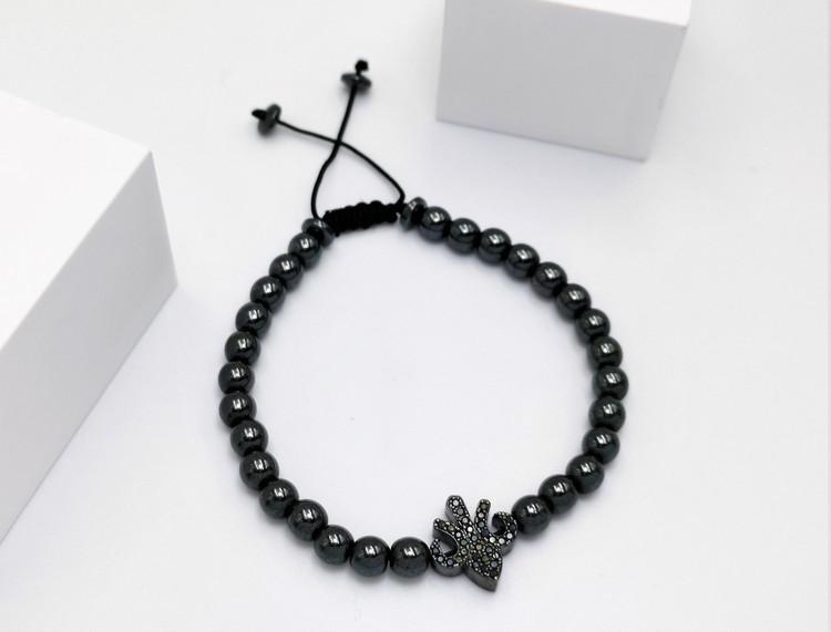 Lily Pearl Black Pärlarmband bild 2 är en unik och speciell herr armband som passar perfekt som present,