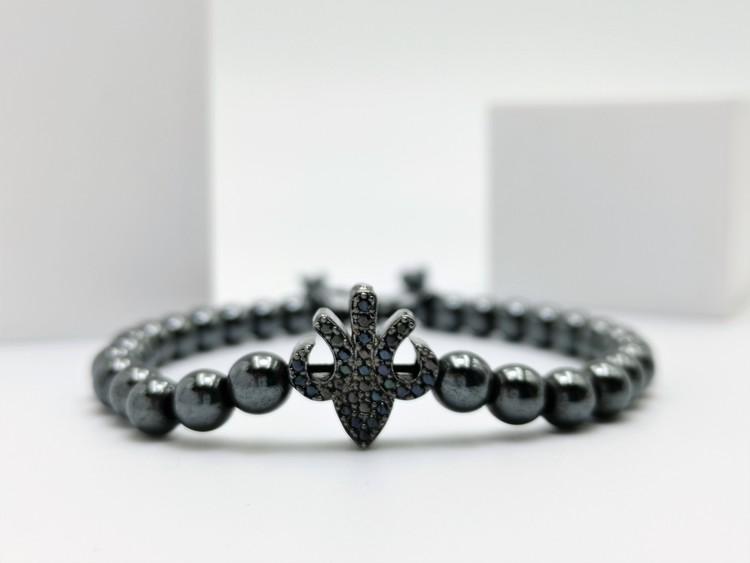 Lily Pearl Black Pärlarmband bild 1 är en unik och speciell herr armband som passar perfekt som present,