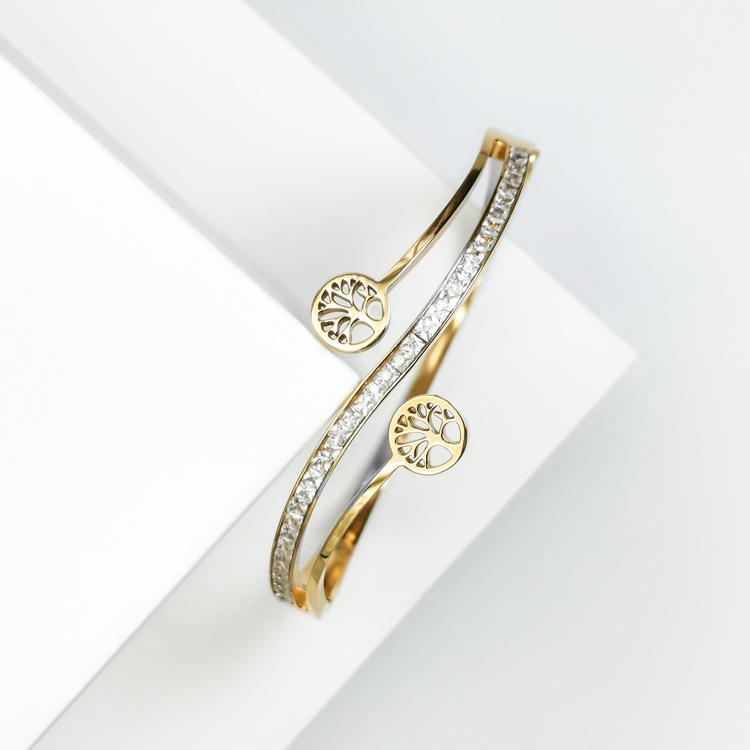 Tree of life harmony G Armband bild 4 är en Elegant, tidlös, och modern accessoar. Otroligt Vacker design av SWEVALI för alla tillfälle. Smycken är av hög kvalité Stainless Steel. Passar perfekt för d