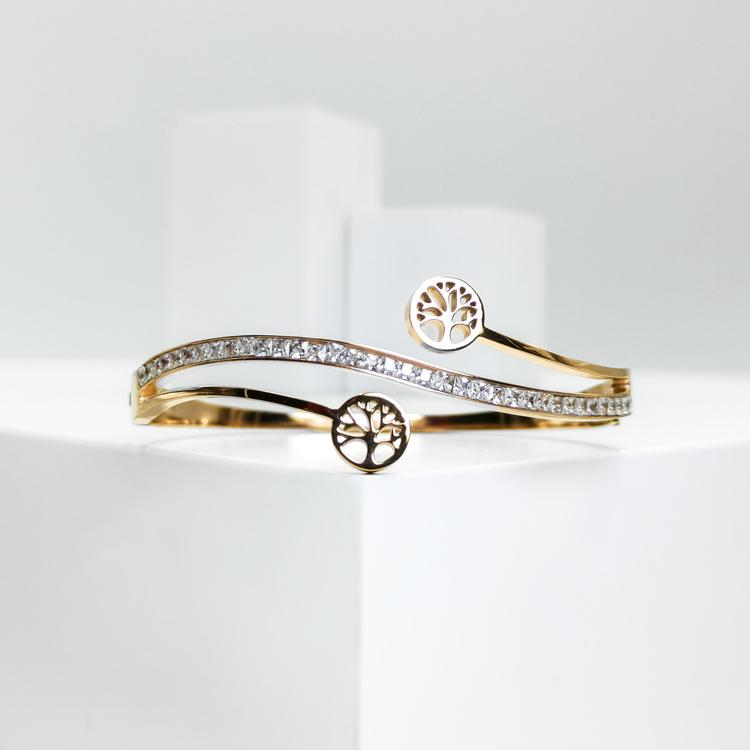 Tree of life harmony G Armband bild 1 är en Elegant, tidlös, och modern accessoar. Otroligt Vacker design av SWEVALI för alla tillfälle. Smycken är av hög kvalité Stainless Steel. Passar perfekt för d