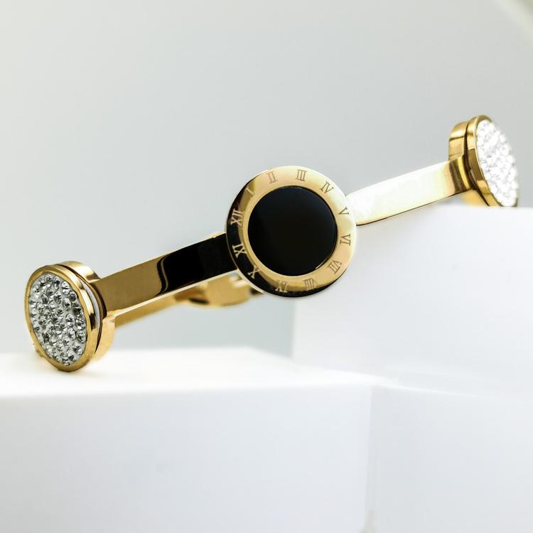 Era Elegance Snabby G Armband bild 2 är en Elegant, tidlös, och modern accessoar. Otroligt Vacker design av SWEVALI för alla tillfälle. Smycken är av hög kvalité Stainless Steel. Passar perfekt för da