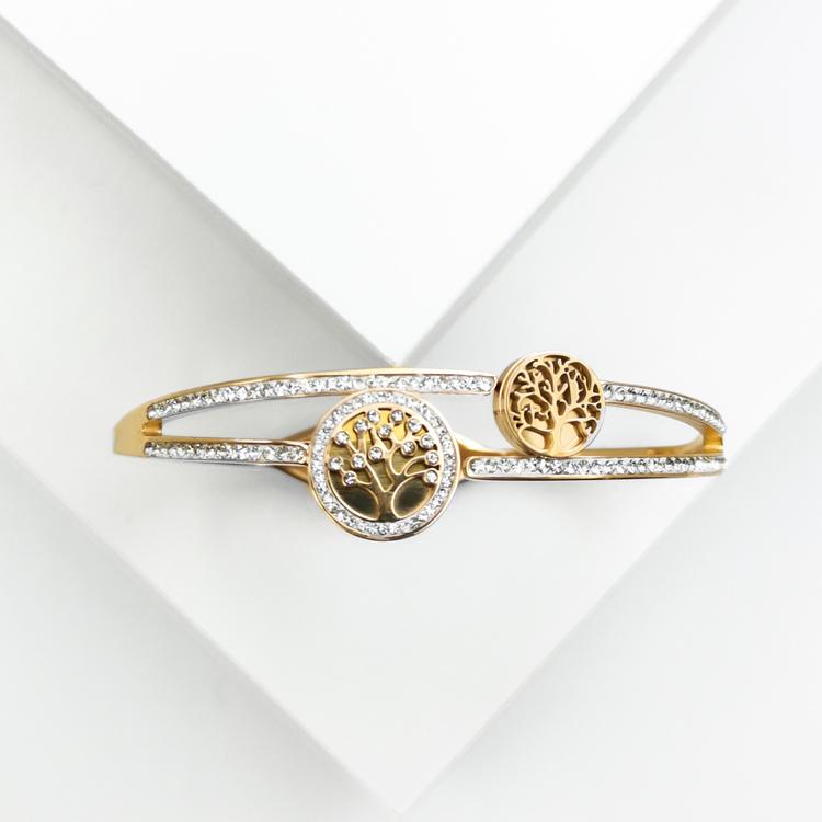 Tree of life Emersion Armband bild 1 är en Elegant, tidlös, och modern accessoar. Otroligt Vacker design av SWEVALI för alla tillfälle. Smycken är av hög kvalité Stainless Steel. Passar perfekt för da