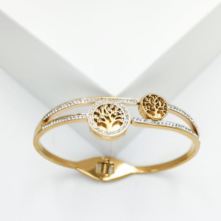 Tree of life Emersion Armband bild 4 är en Elegant, tidlös, och modern accessoar. Otroligt Vacker design av SWEVALI för alla tillfälle. Smycken är av hög kvalité Stainless Steel. Passar perfekt för da
