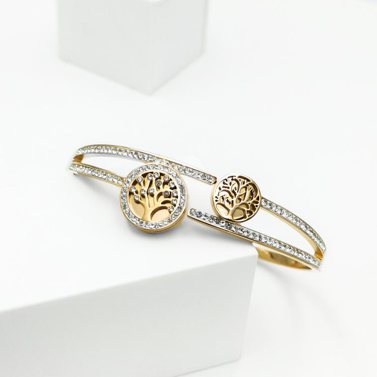 Tree of life Emersion Armband bild 2 är en Elegant, tidlös, och modern accessoar. Otroligt Vacker design av SWEVALI för alla tillfälle. Smycken är av hög kvalité Stainless Steel. Passar perfekt för da