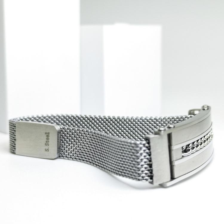 Confident Grey Metal Armband bild 4 är ett herr armband med vackra detaljer och hög kvalité