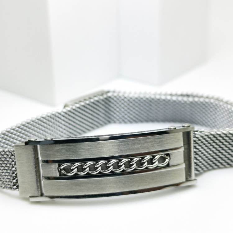 Confident Grey Metal Armband bild 3 är ett herr armband med vackra detaljer och hög kvalité