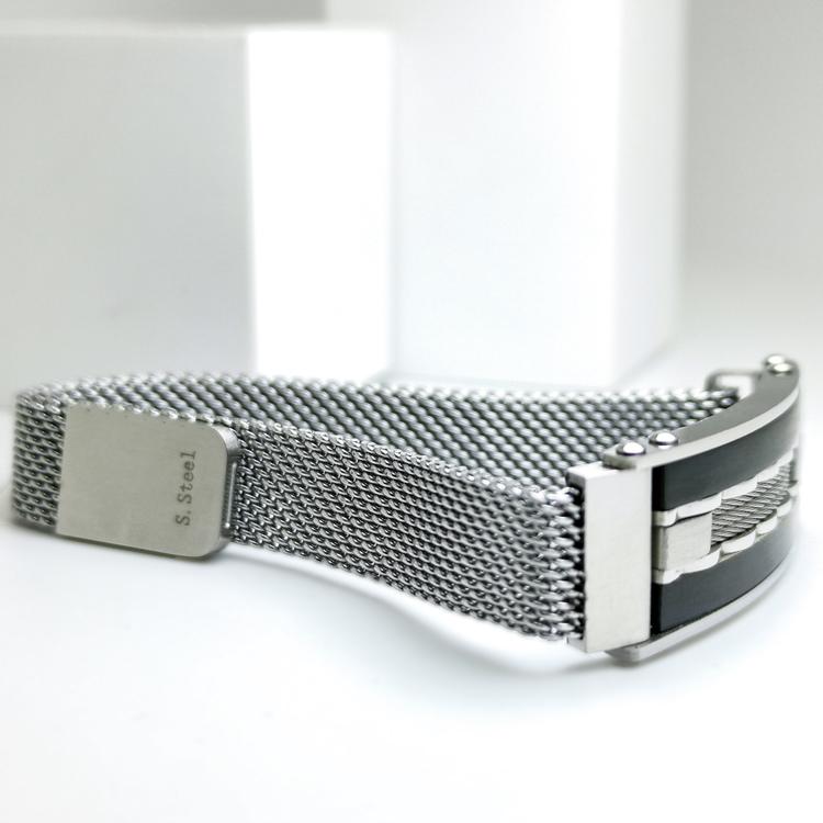 Confident Black Metal Armband  Bild 3 är en otroligt snygg och elegant herr armband. Hög kvalité Stainless Steel 316 L. Perfekt smycke för present