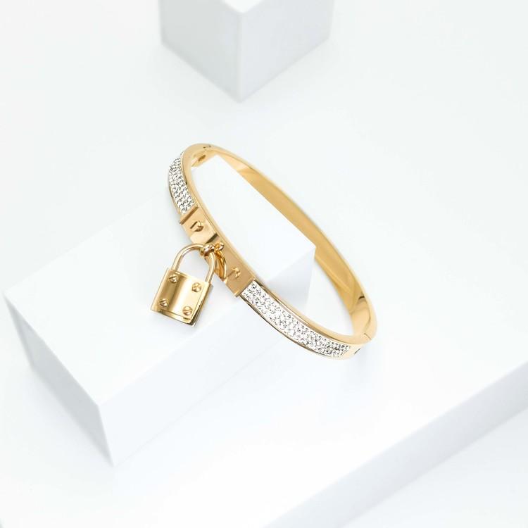 Prestige Armband bild 2 är en Elegant, tidlös, och modern accessoar. Otroligt Vacker design av SWEVALI för alla tillfälle. Smycken är av hög kvalité Stainless Steel. Passar perfekt för damer som gilla