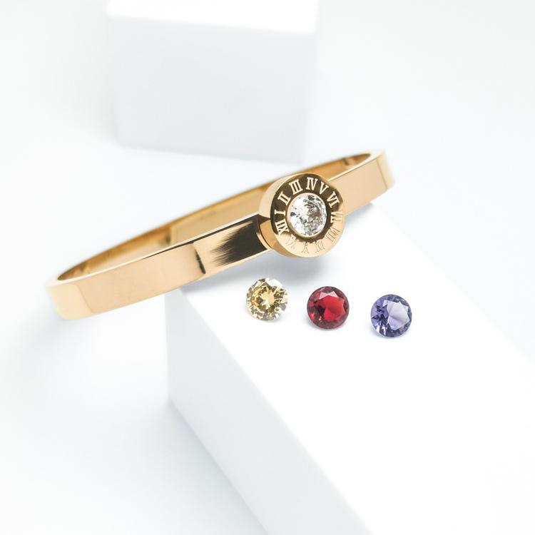 Queen Diamonds Armband bild 2 är en Elegant, tidlös, och modern accessoar. Otroligt Vacker design av SWEVALI för alla tillfälle. Smycken är av hög kvalité Stainless Steel. Passar perfekt för damer som