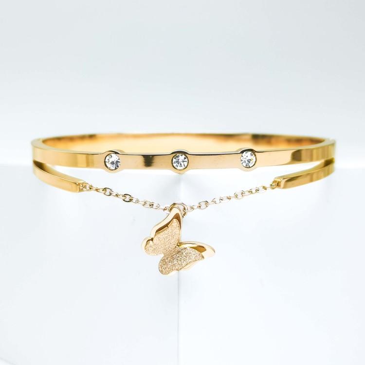 Queen Butterfly Solo Armband bild 2 är en Elegant, tidlös, och modern accessoar. Otroligt Vacker design av SWEVALI för alla tillfälle. Smycken är av hög kvalité Stainless Steel. Passar perfekt för dam