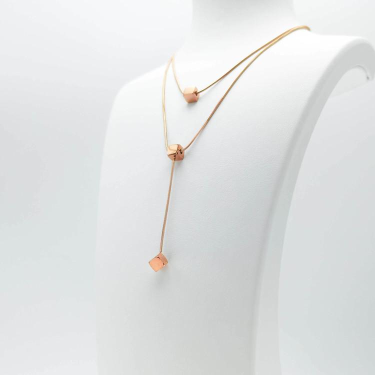 Charisma Luck Orbits bild 4 Dam halsband. Modern, stilren och exklusive Smycke.