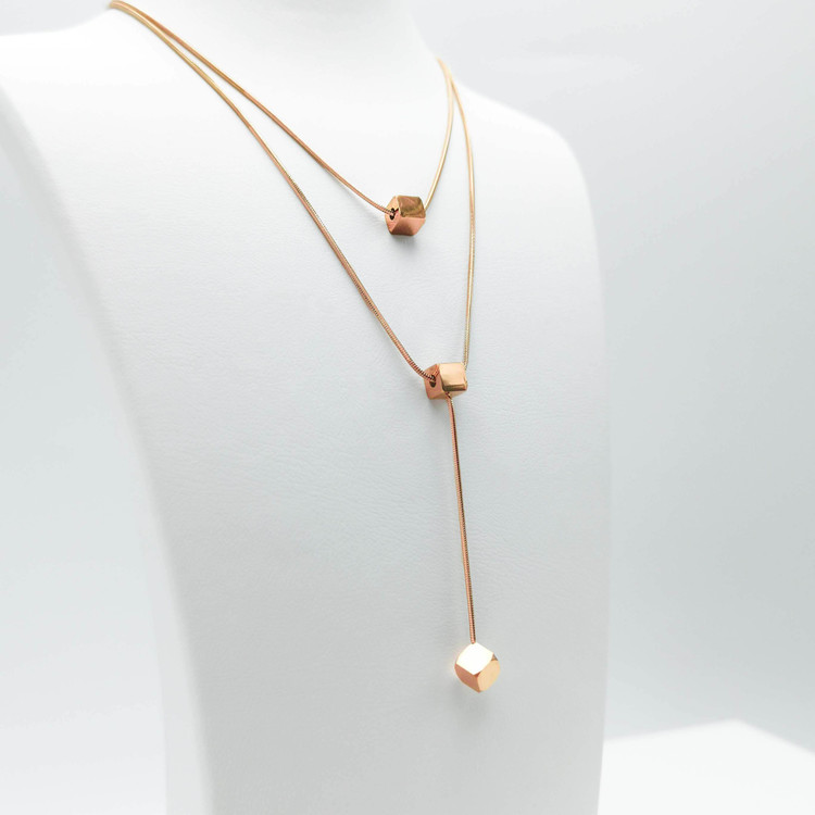 Charisma Luck Orbits bild 3 Dam halsband. Modern, stilren och exklusive Smycke.