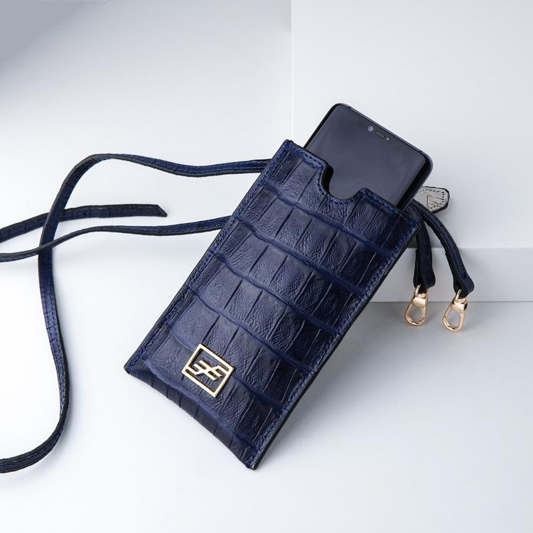 Bild 1 Genuine Leather Phone pouch mobilfodral och lyxig phone case Croco blue night  pattern