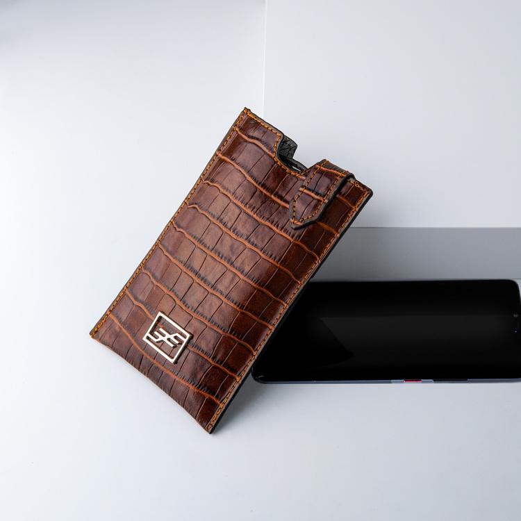 Bild 3 Genuine Leather Phone pouch mobilfodral och lyxig phone case Croco Sahara  pattern