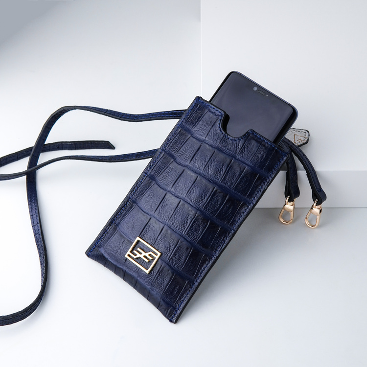 Leather set bags exotic croco blue night - clutch and sling bag with mobile case and pouch plus card holder and keyholder . bild 4