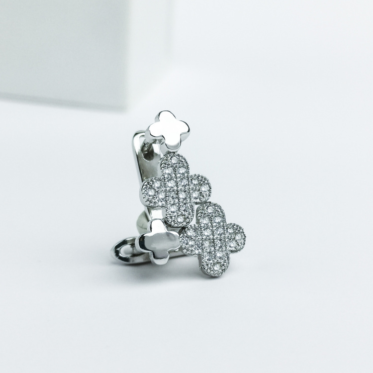 2 - Clover babe Silver Örhänge 925 Modern and trendy earings and women jewelry and accessories
