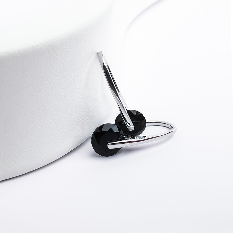 2 - Black Heel Wheel Silver Örhänge 925 Modern and trendy earings and women jewelry and accessories