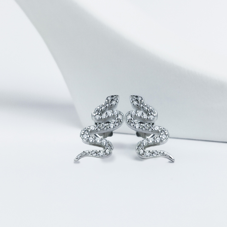 1 - Sneaky Snake Silver Örhänge 925 Modern and trendy earings and women jewelry and accessories