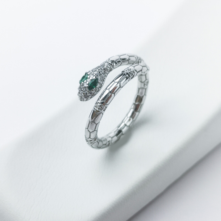 1- Green Eyed Python Lady Babe Silver Ring 925 Modern and trendy Silver Rings and women jewelry and accessories from SWEVALI fashion Sweden