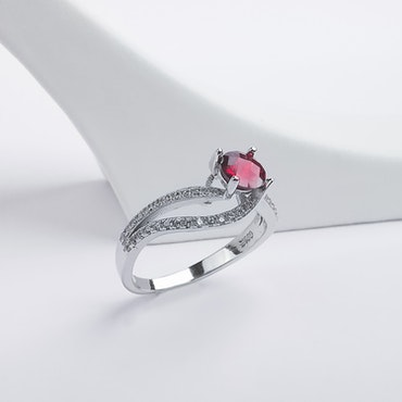 Seductive Carmine Silver Ring 925