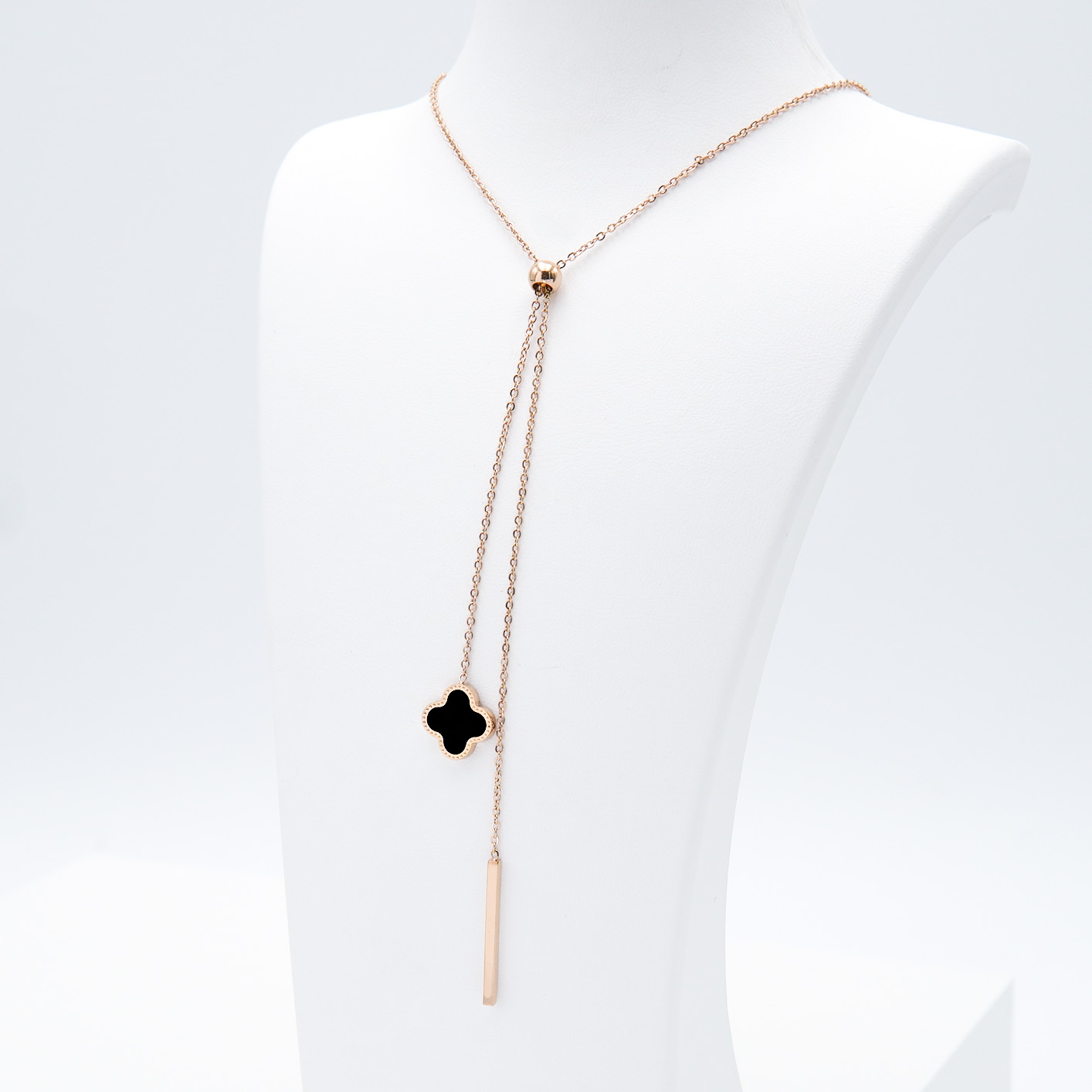 2- Clover Grace Brace Rose Edition Halsband Modern and trendy Necklace and women jewelry and accessories from SWEVALI fashion Sweden