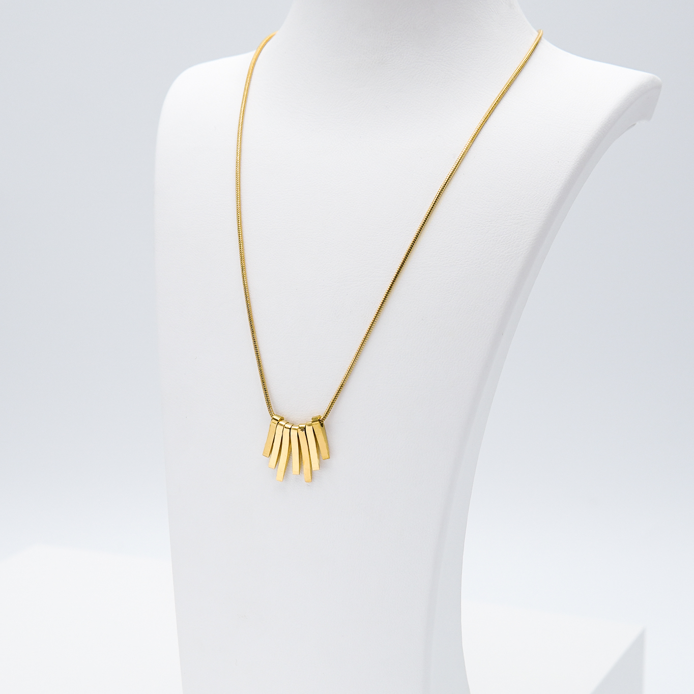 2- Fashionista Dance Edition Halsband Modern and trendy Necklace and women jewelry and accessories from SWEVALI fashion Sweden