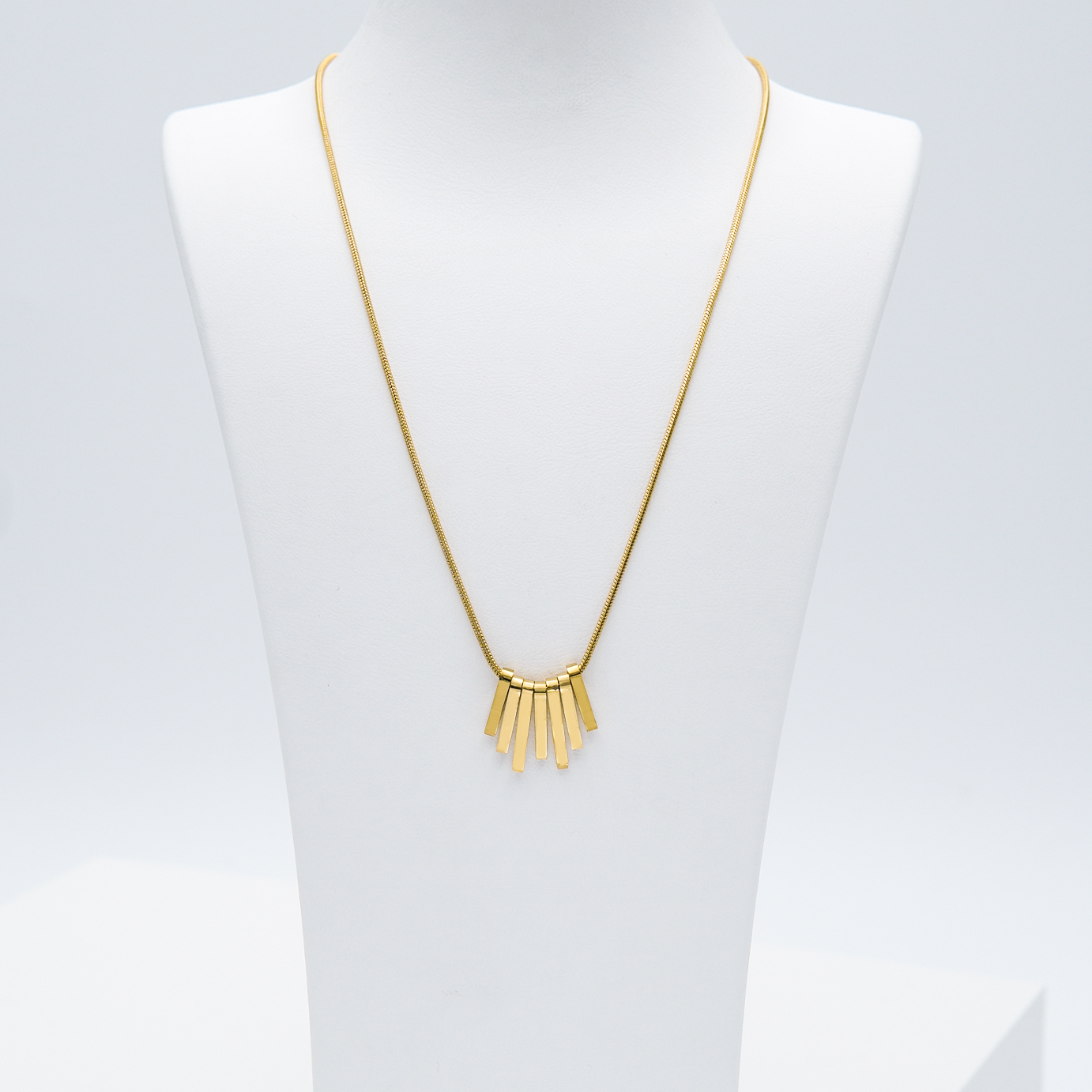 1- Fashionista Dance Edition Halsband Modern and trendy Necklace and women jewelry and accessories from SWEVALI fashion Sweden
