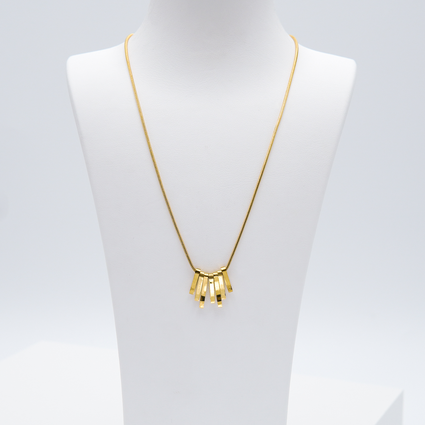 3- Fashionista Dance Edition Halsband Modern and trendy Necklace and women jewelry and accessories from SWEVALI fashion Sweden