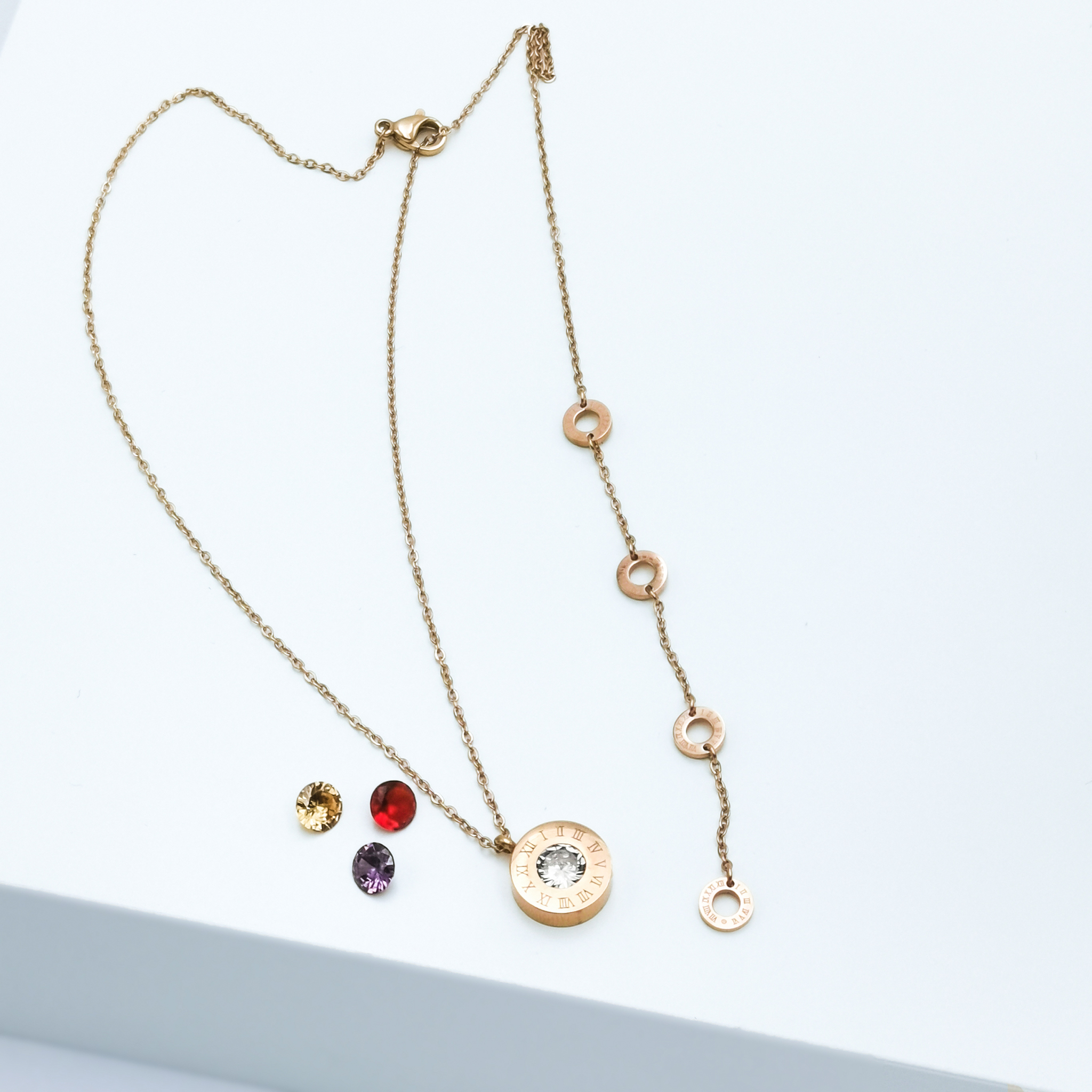 4 Queen Diamonds Necklace Rose Gold Edition Halsband - SWEVALI