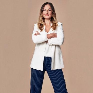 MAGDALENA KOWALCZYK - Ekonomiexpert, coach och programledare för Lyxfällan