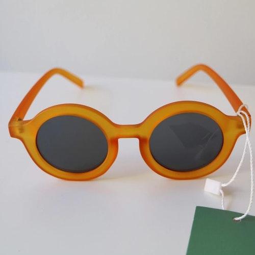 Solglasögon, BabyMocs. Gula.