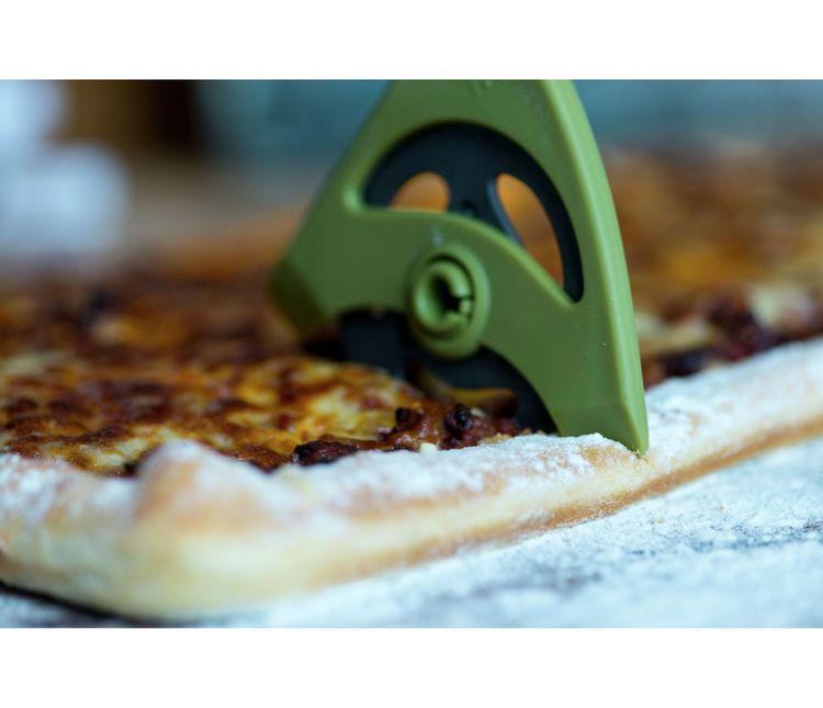 Sliceit by hackit en pizzaskärare/pizzahjul. Färg: Svart.
