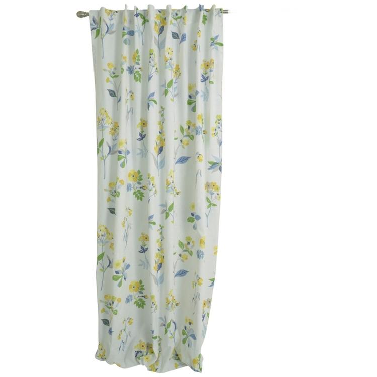Blomster gardinset med två längder och dolda hällor. Mått 2 x 145 x 240 cm.