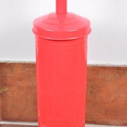 Toalettborste. Färg: Röd.