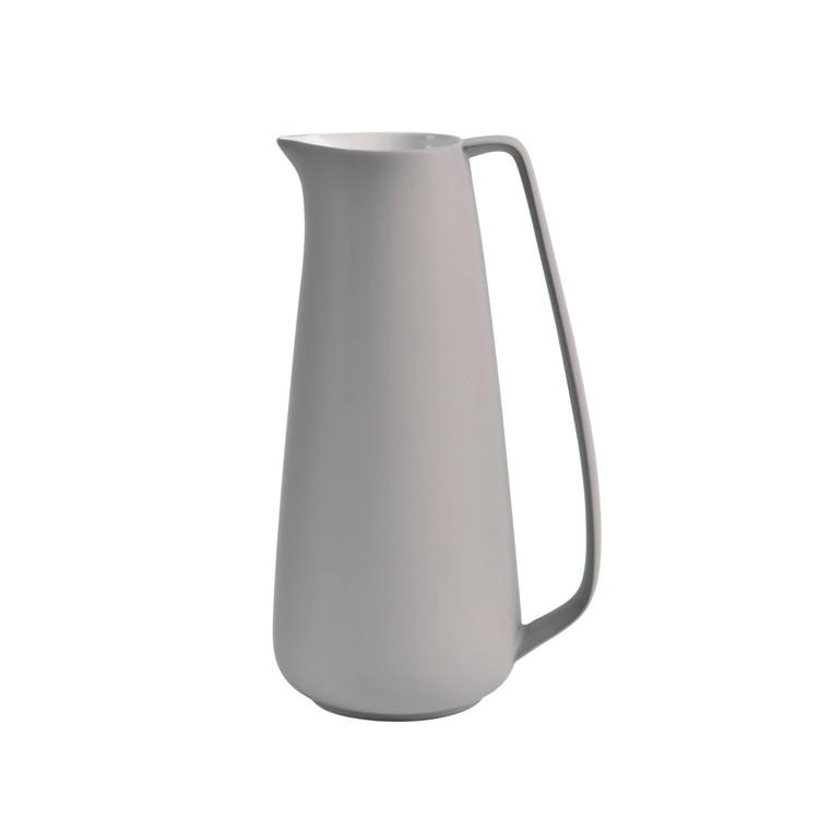 Tillbringare Skagen en ¨Mixa och matchaservis¨i grått med vitglaserad insida från Modern house. H 27, D 16. 1800 ml.