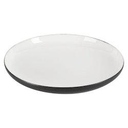 Assiett Skagen en ¨mixa och matchaservis¨ i vitt med svart undersida från Modern house. Mått D 23 cm.