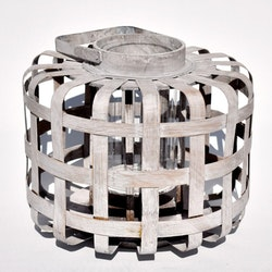 Ljuslykta i böjt trä med en glascylinder. Mått H 35 cm, Dia. 35 cm.