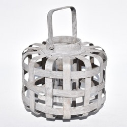 Ljuslykta i böjt trä med en glascylinder. Mått H 26 cm, Dia. 30 cm.