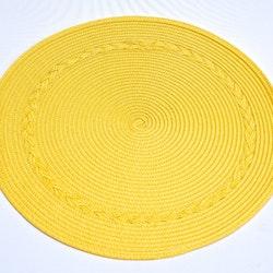 Tellus en rund tablett från Noble house. Färg gul.
