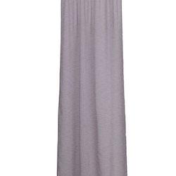Gardinset med två längder med dolda hällor. Färg: Lila. Mått: 2 x 140 x 240 cm. Material: Polyester.