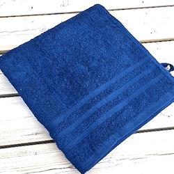 Badlakan Koster från Gripsholm. Färg: Marinblå. Mått 65 x 130 cm. Material: 100% bomull.