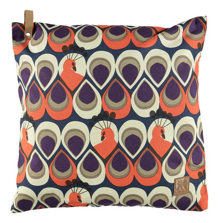 Kuddfodral Peacock från Gripsholm. Färg: Blått, beige och orange. Mått: 50 x 50 cm. Material: 100% bomull.