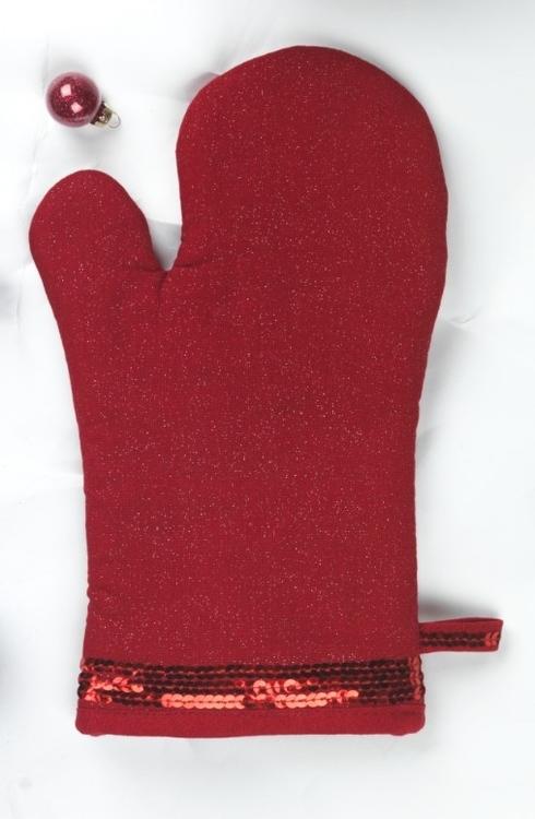 Grytvante Gary med paljetter. Färg: Röd med lite glitter i väven och paljetter. Mått: 15 x 30 cm. Material: Tyg 55% lin och 45% viscose.
