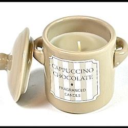 Doftljus i porslinsburk med lock. Doft: Cappuccino choklad.