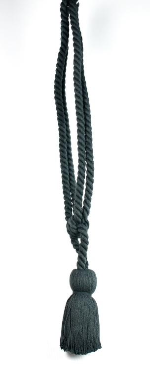 Tassels/Gardinomtag med tofs. Färg: Grafitgrå. Längd: 53 cm.