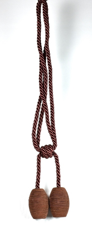 Tassels/Gardinomtag med bollar. Färg: Rödbrun. Längd: 60 cm.