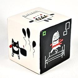 Sparbössa Minimonster från Cult design. Mått: H 10 cm, B 10 cm, D 10 cm.